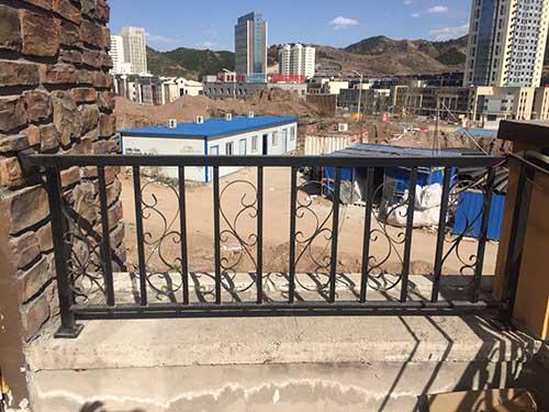 产品名称:锌钢护栏楼梯扶手